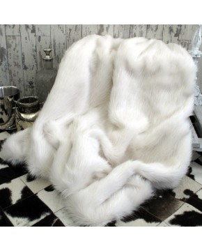 Deluxe Polar Fur Throw