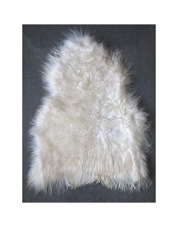 Creamy White Icelandic Sheepskin Rug 0140